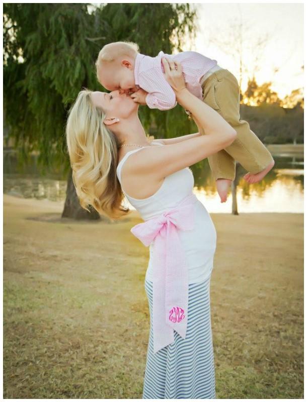 Mamãe grávida e bebê
