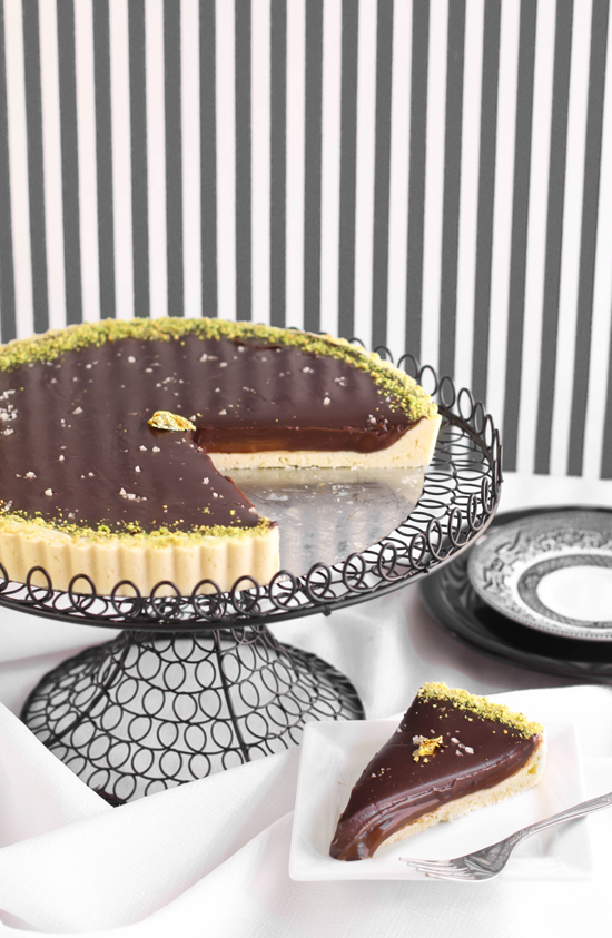 the best sea salted chocolate caramel tart
