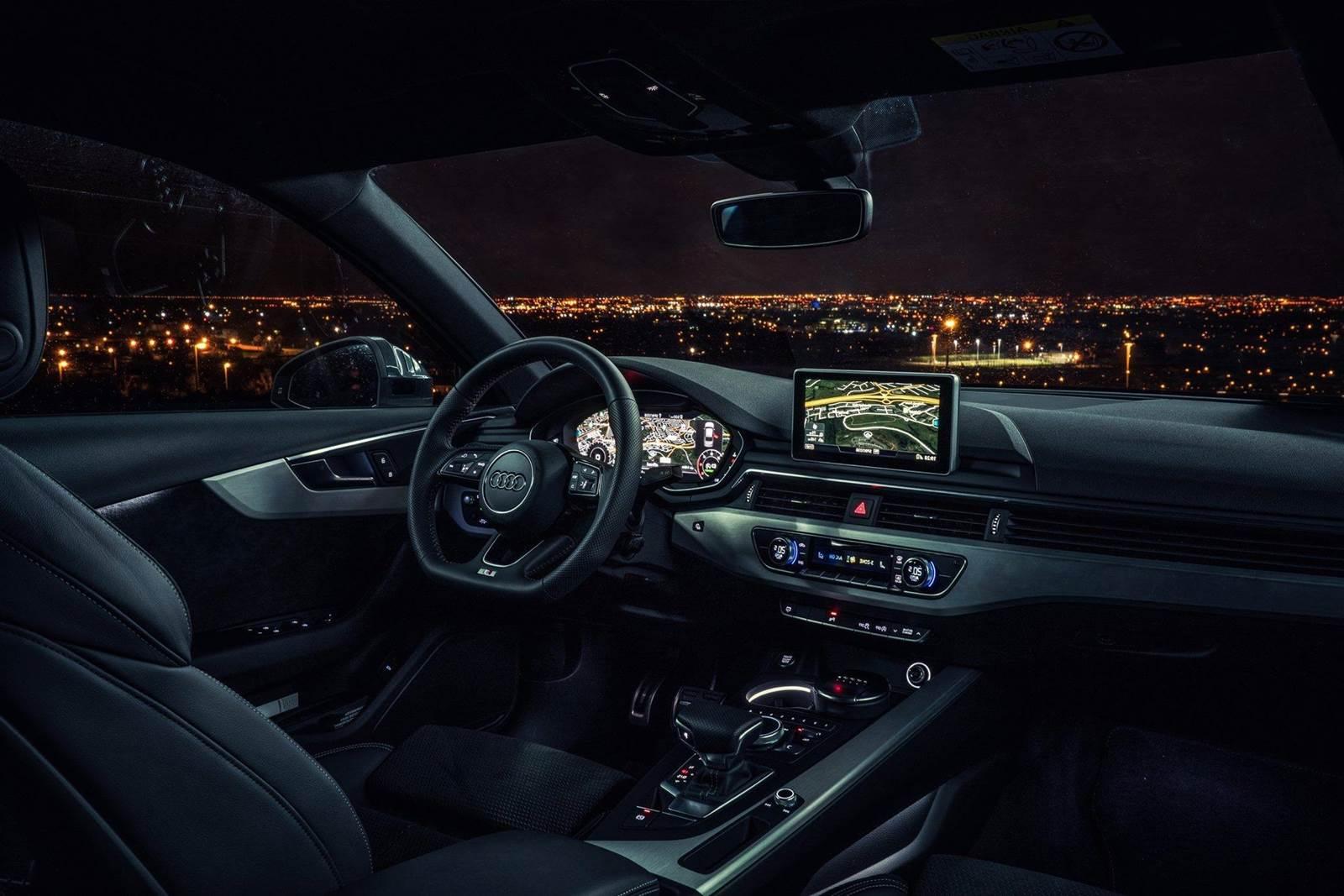 Audi A4 x BMW Série 3 x Mercedes Classe C - interior