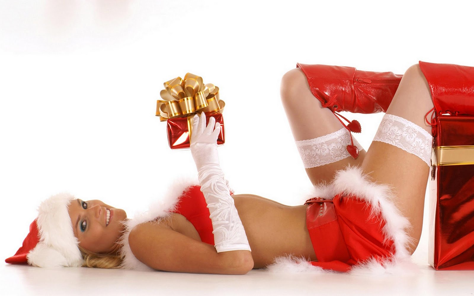 Santa girl wish happy new years christmas taste wallpapers for Hot christmas pics