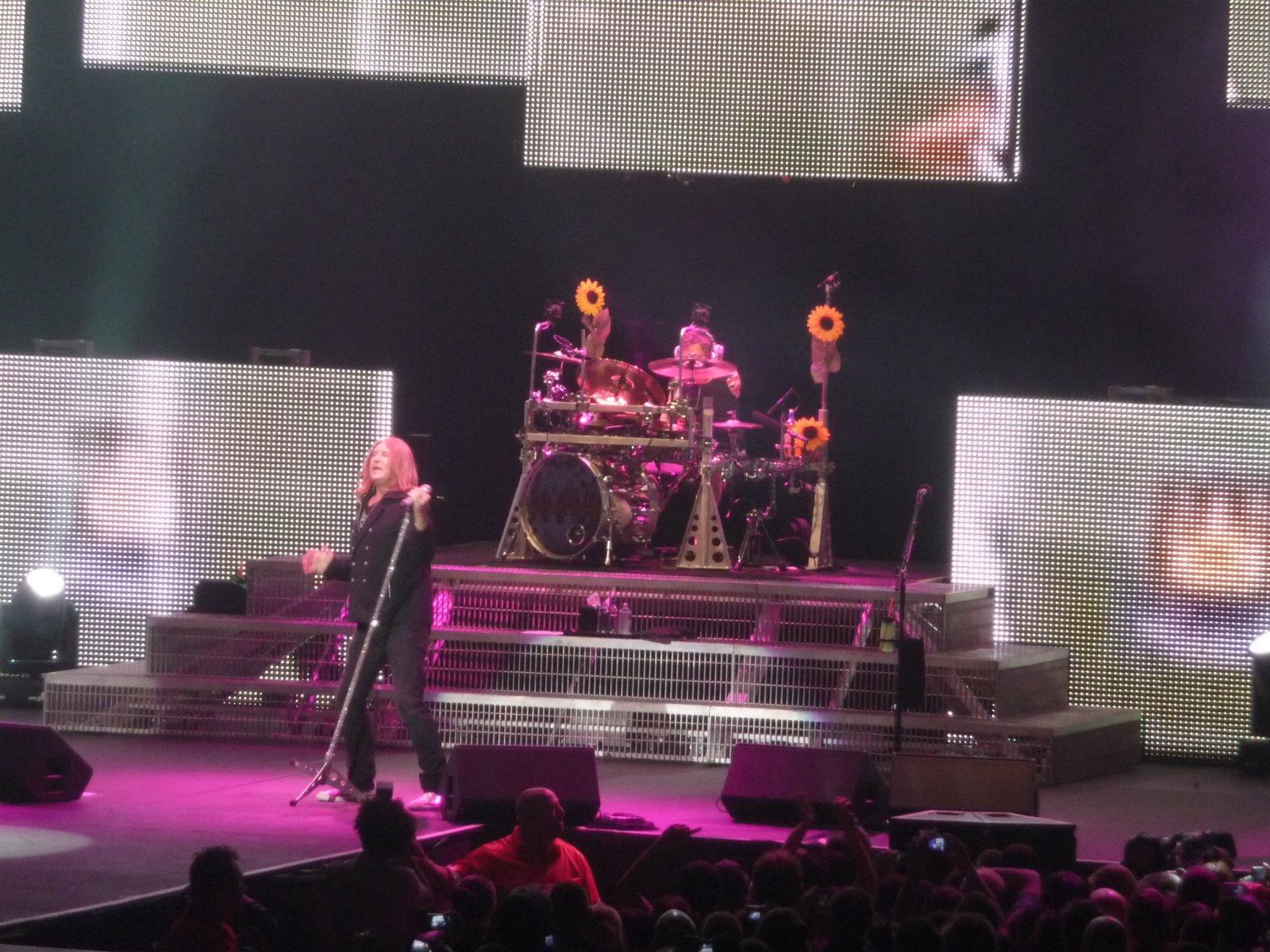 Sean andi 39 s concert photos def leppard rod laver for Door 9 rod laver arena