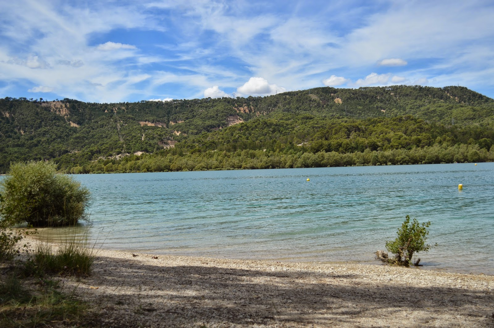 Where to go on summer holiday Lac de Saint-Croix South of France