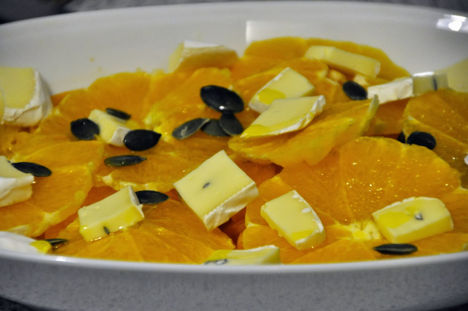 Szybko Tanio Smacznie - Kaki z pomarańczą i serem pleśniowym