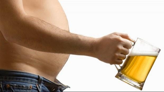 ¿Sabes por qué sale la famosa barriga cervecera?