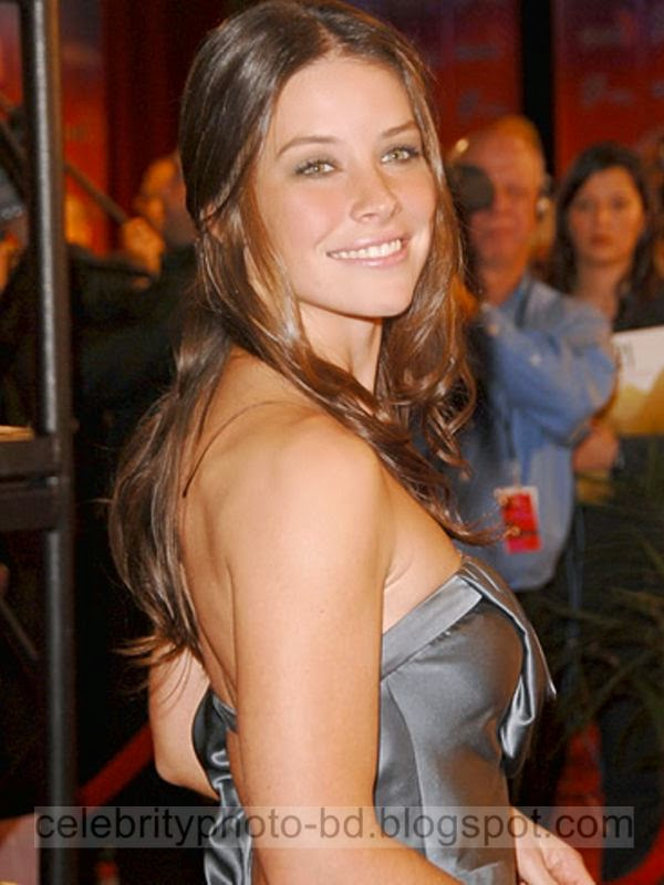 Evangeline+Lilly+Latest+Hot+Photos+With+Short+Biography020