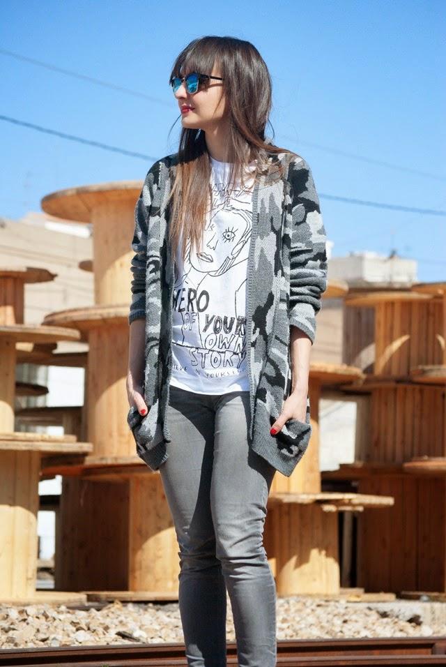 Grey total look street style