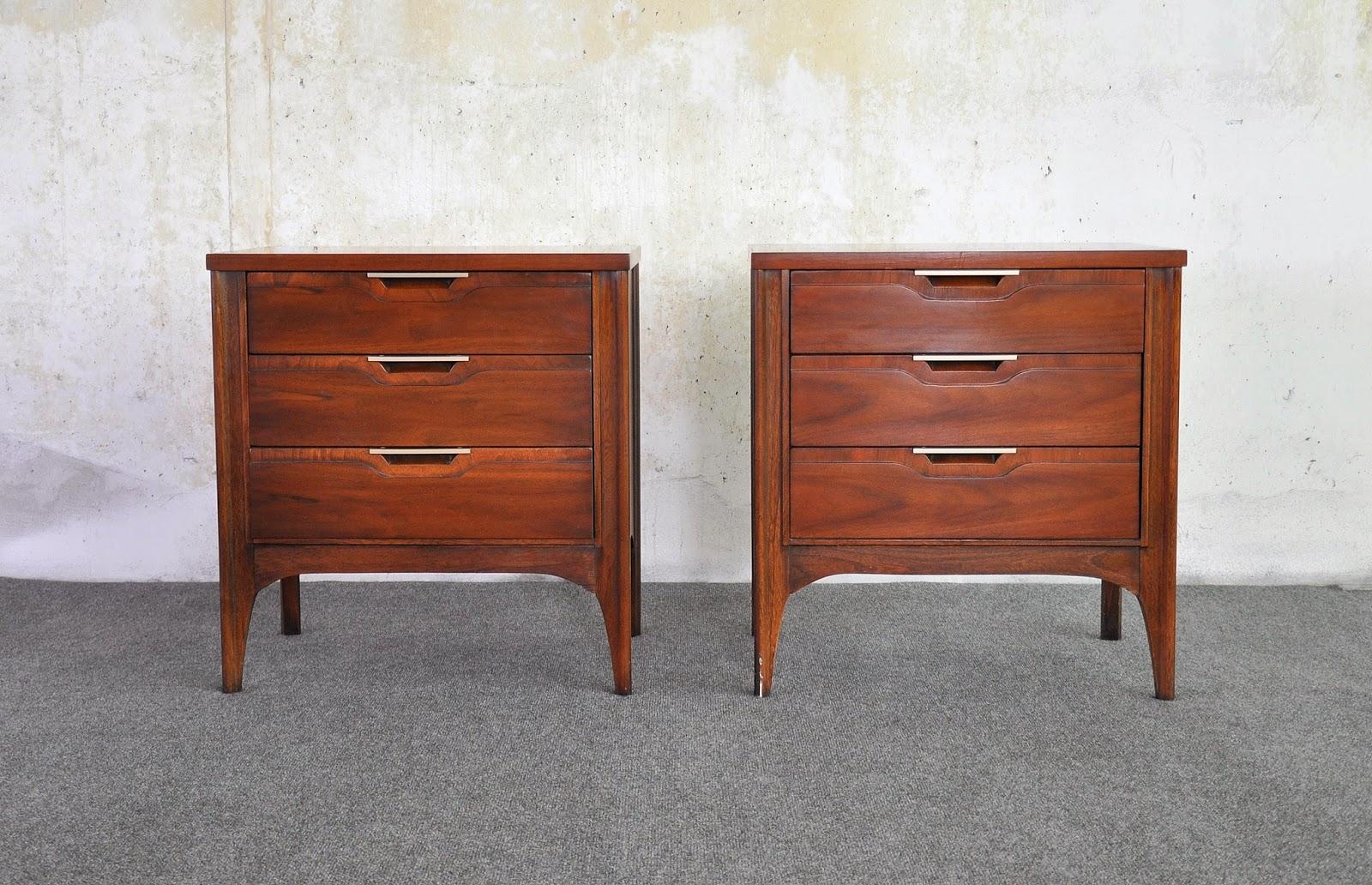 Pair Nightstands Vintage