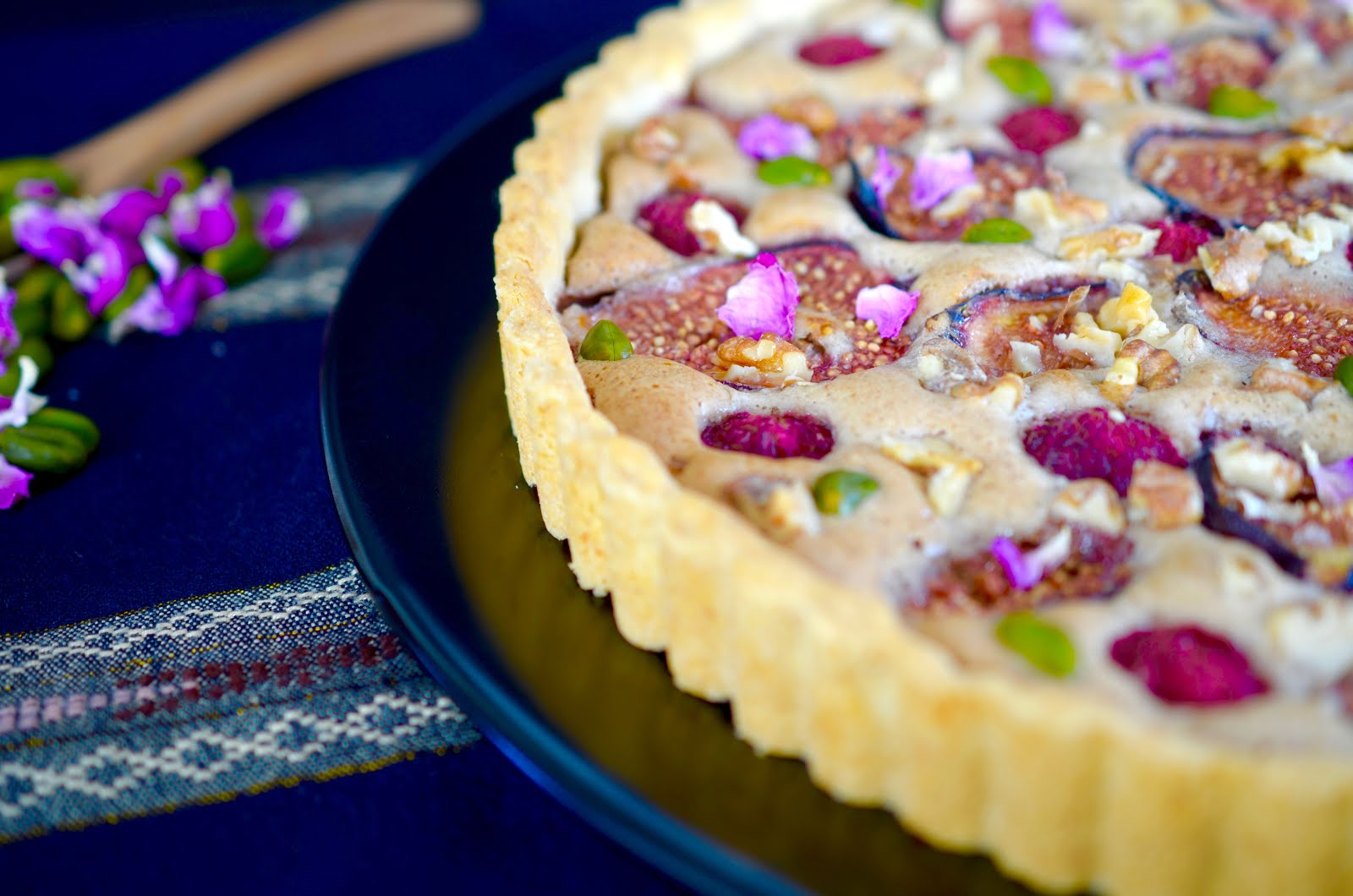 Feigentarte   Orientalische Variante Mit Walnüssen, Kardamom Und Rosenblüten
