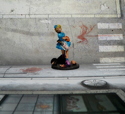 Zombicide Survivor painted Wanda Waitress