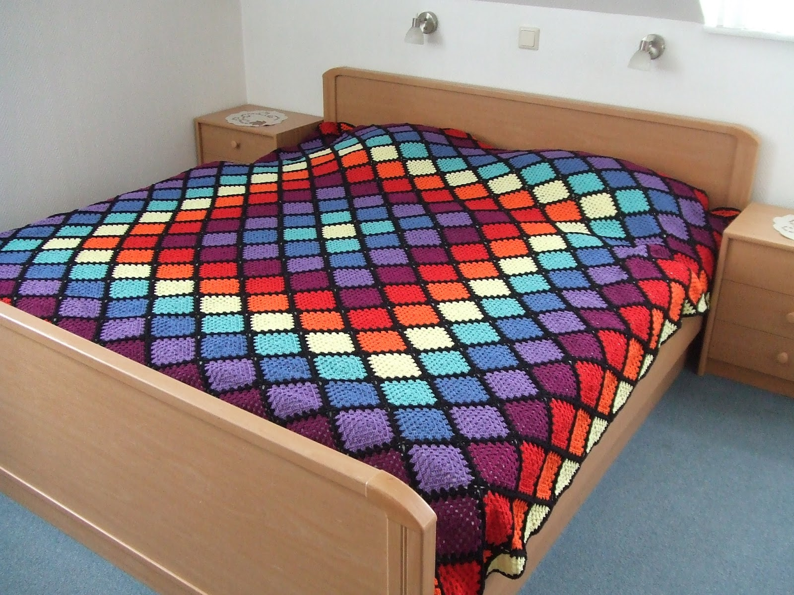 my world of crochet tadahhh tagesdecke nr 5 ist fertig. Black Bedroom Furniture Sets. Home Design Ideas