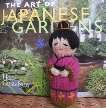 Kokeshi Doll Knitting Pattern : Knitting With Karma: Knitted Dolls and Toys