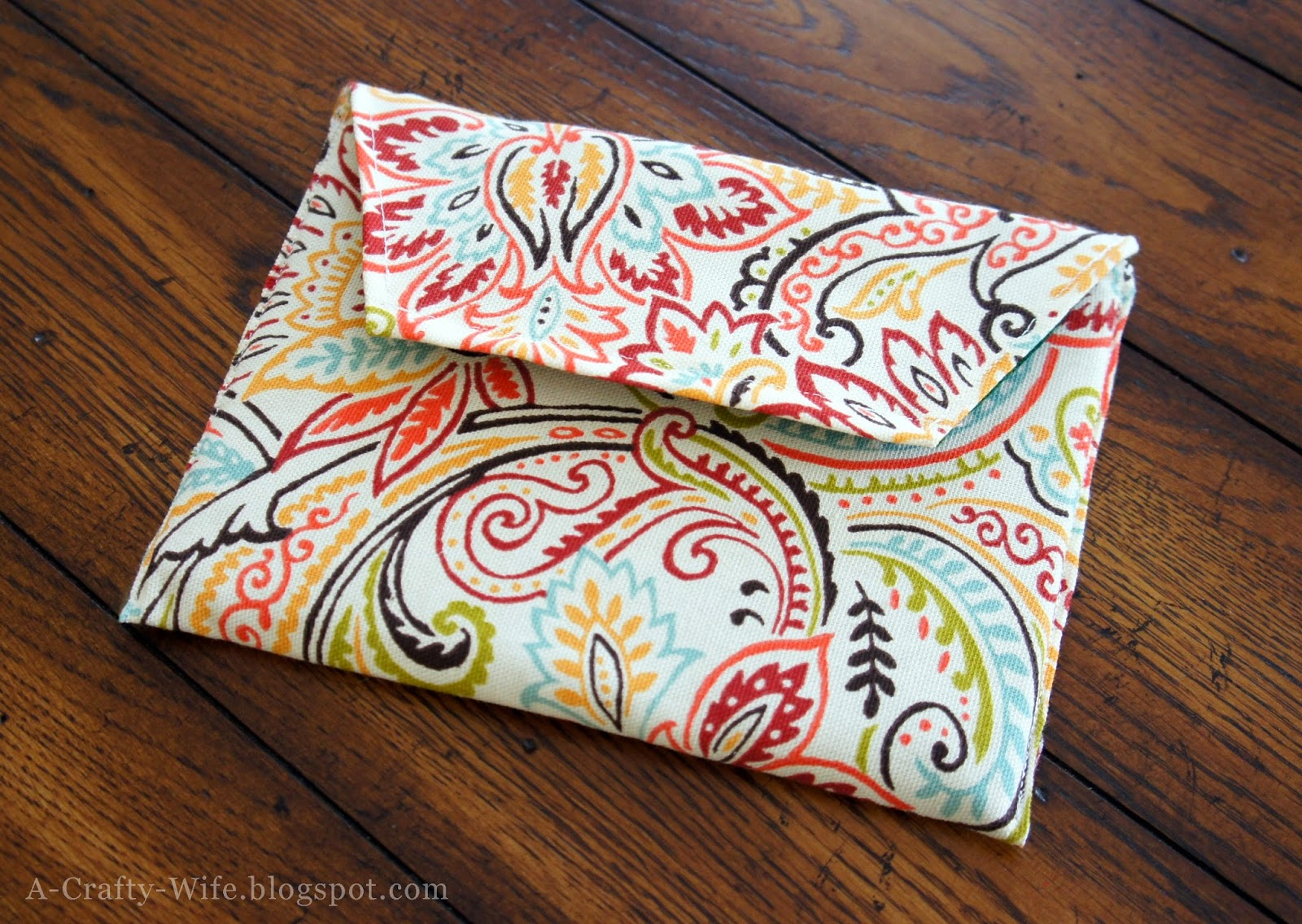 DIY fabric iPad case to protect it in your purse | A Crafty Wife