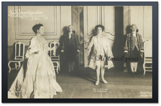 Minnie Nast as Sophie and Eva von der Ostern as Octavian in Der Rosenkavalier (1910/11)