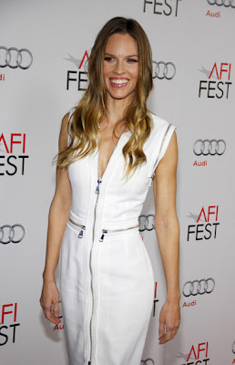 Hilary Swank Long Wavy Cut Hairstyle