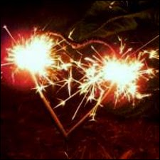 http://weddingdaysparklers.com/heart-shaped-wedding-sparklers/