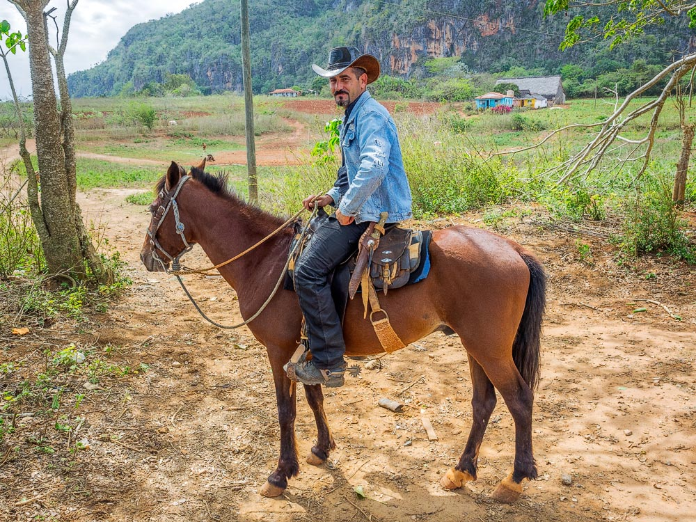 The hopeful traveller cuba horseriding in vinales for Places to go horseback riding near me