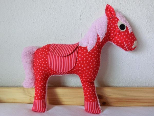 FREEBIES FOR CRAFTERS: Pony - stuffed toy