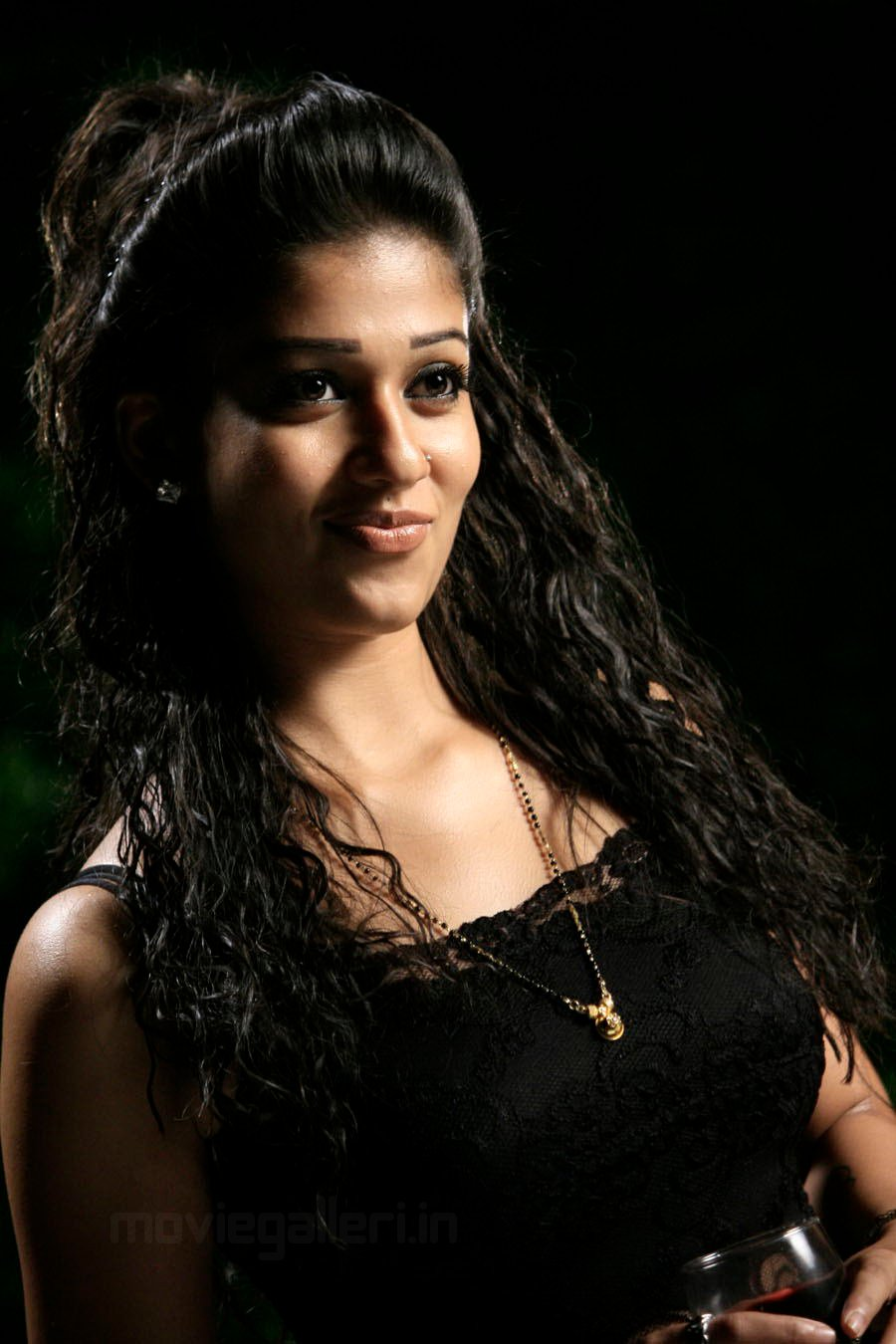 Nayanthara Cute Photo Shoot Stills Images Gallery | New