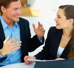 المرأة أكثر لطفًا من الرجل فى الحوار وعرض الرأى - رجل وامرأة يتكلمان يتحدثان - man_woman_talking