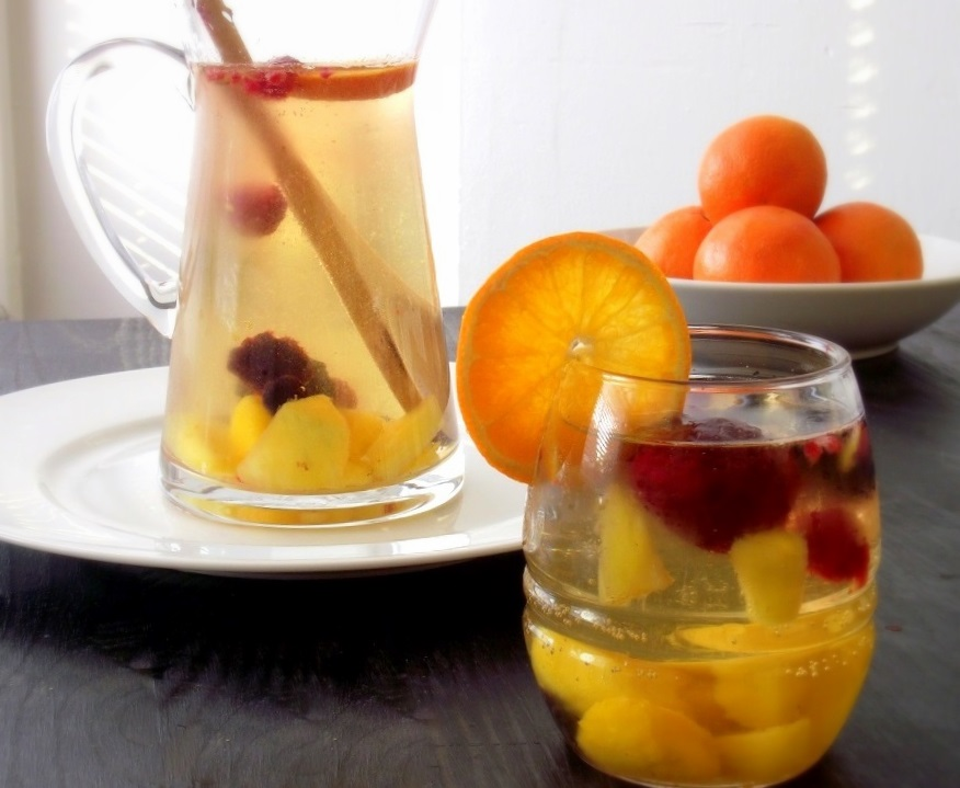 Poor Girl Eats Well: Recipe: Sweet & Fruity White Wine Sangria