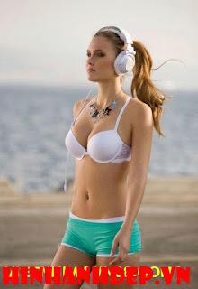 hình nền đẹp nữ hoàng Bikini 13