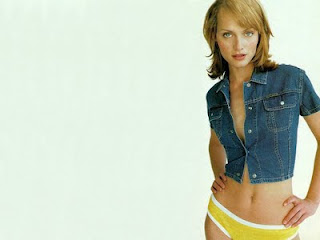 Amber Valletta Hot