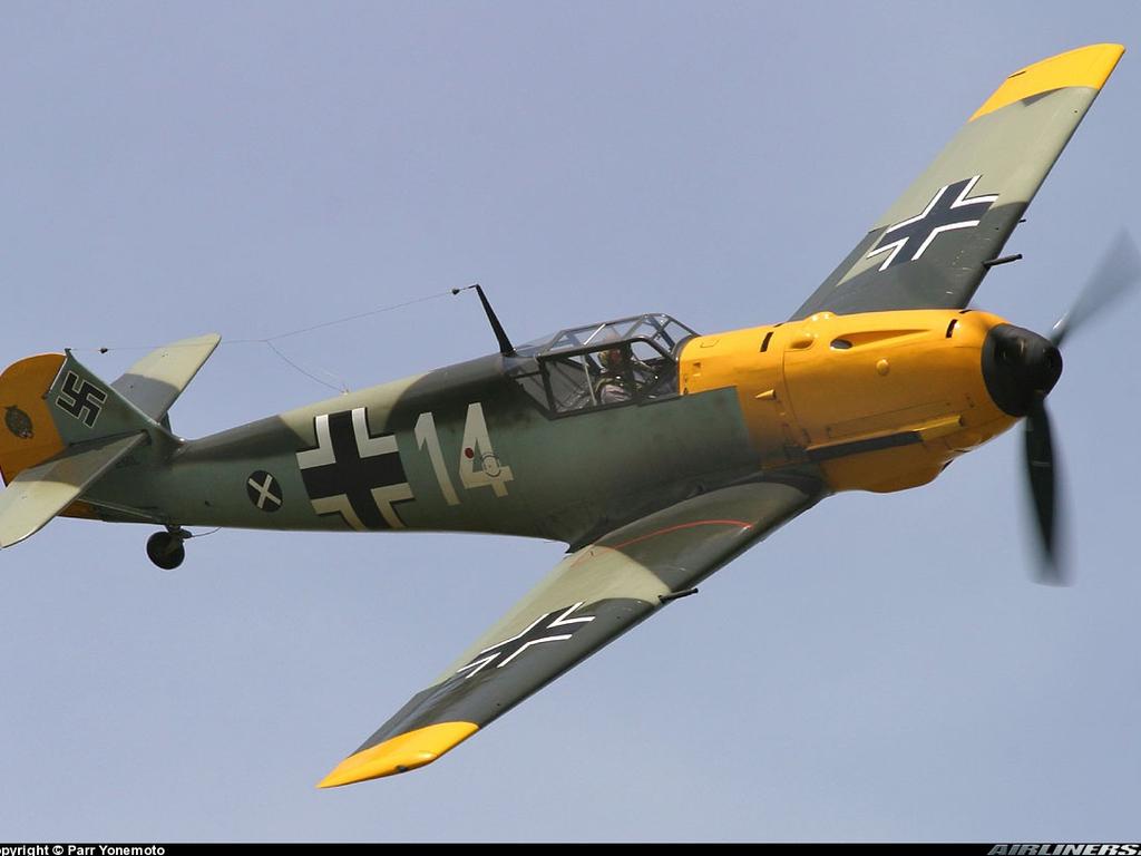 http://4.bp.blogspot.com/-wF6e5hZkbmQ/TqQvFZm0DvI/AAAAAAAAAHA/49ZJyO_F6vA/s1600/69353-1024x768-Messerschmitt-Bf-109.jpg