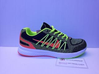 Sepatu Gaya, sepatu casual, nike, warna terang