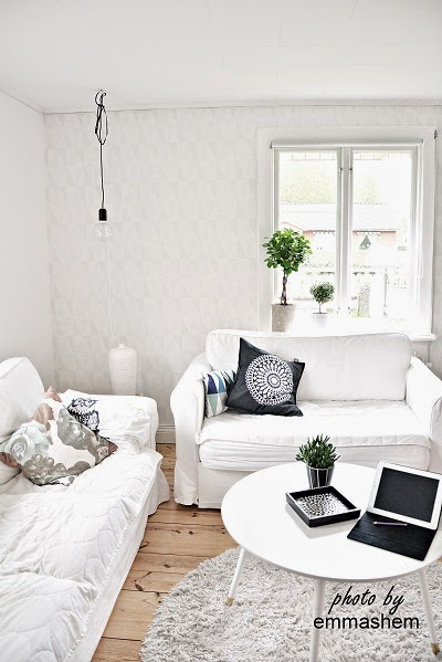 vit tapet vardagsrum