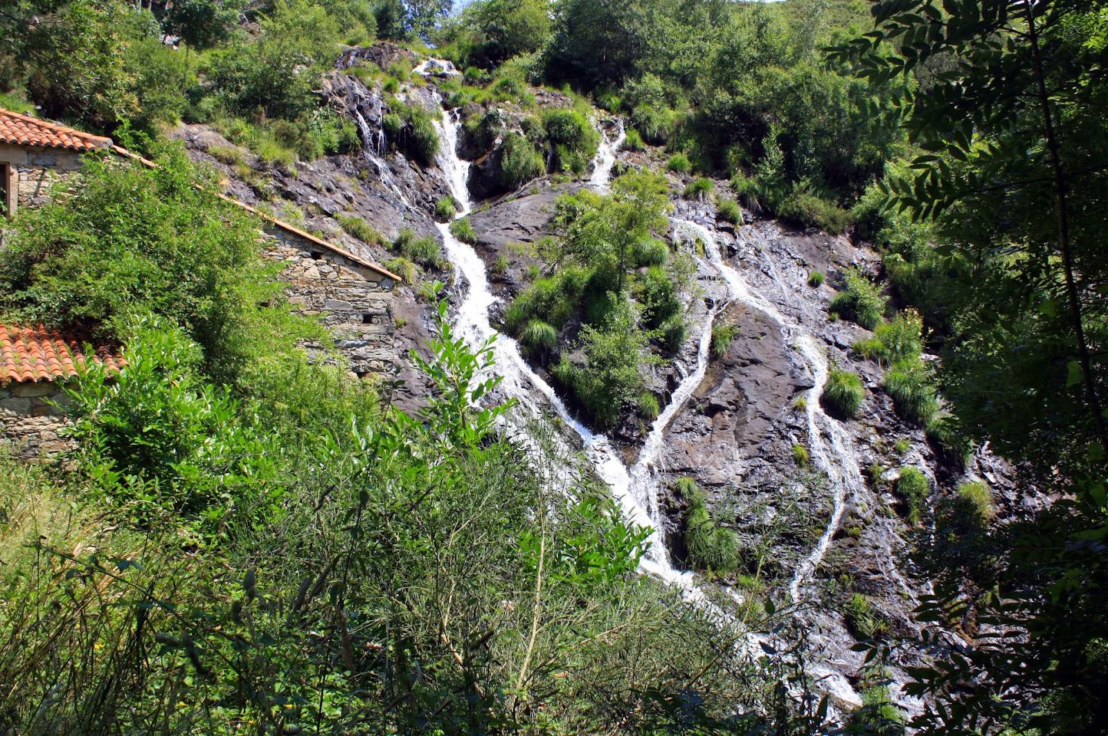 Luar na fraga: Camino de la fervenza de Brañas (Toques)