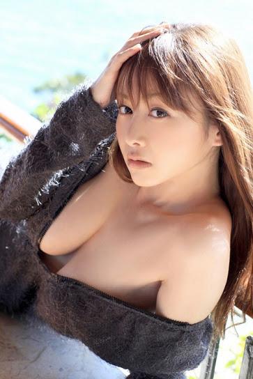Nỗi khổ gái xinh ngực to như dưa hấu 14