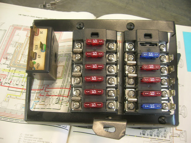 thesamba com bay window bus view topic 1970 fuse box 72 Vw Beetle Fuse Box image may have been reduced in size click image to view fullscreen 72 vw beetle fuse box