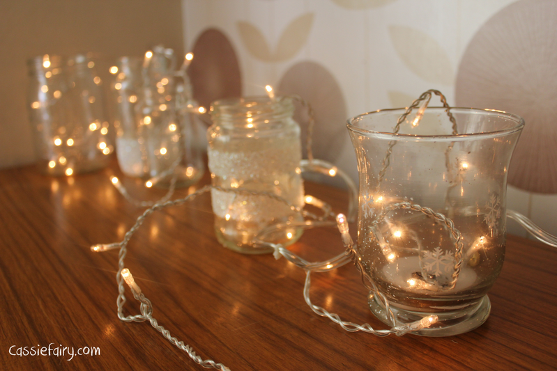 dekoracija stołu na święta światełka