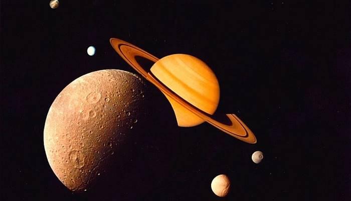 bulan enceladus planet saturnus