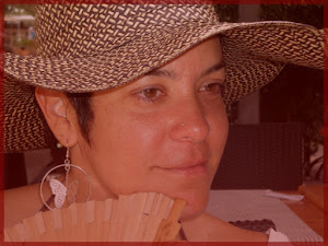 """Qui suis-je? Quien soy? CV-Virginia Hernández """"Luna Rosa"""""""
