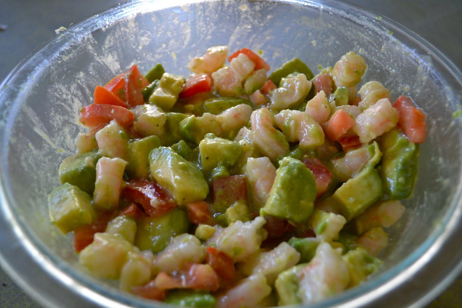 Eat Your Veggies, Peas: ZESTY LIME SHRIMP AND AVOCADO SALAD