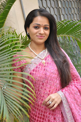 Reshma  photo gallery in pink saree