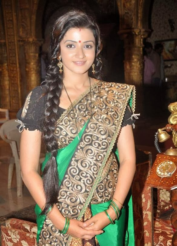 Suhasi Dhami HD Wallpapers Free Download
