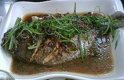 pescado al vapor con mensi