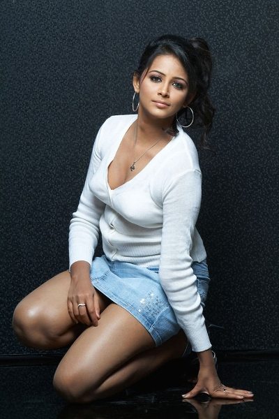 Lifestylebay: Actress Subhiksha Hot Gallery