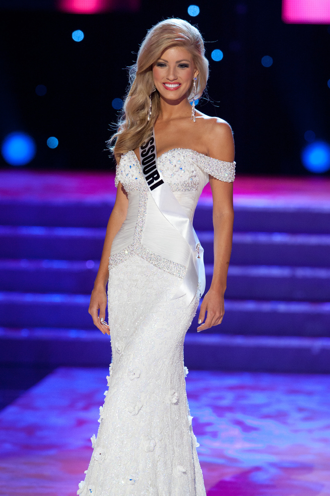 SASHES AND TIARAS.....MISS USA 2011 Preliminaries Gown Competition ...