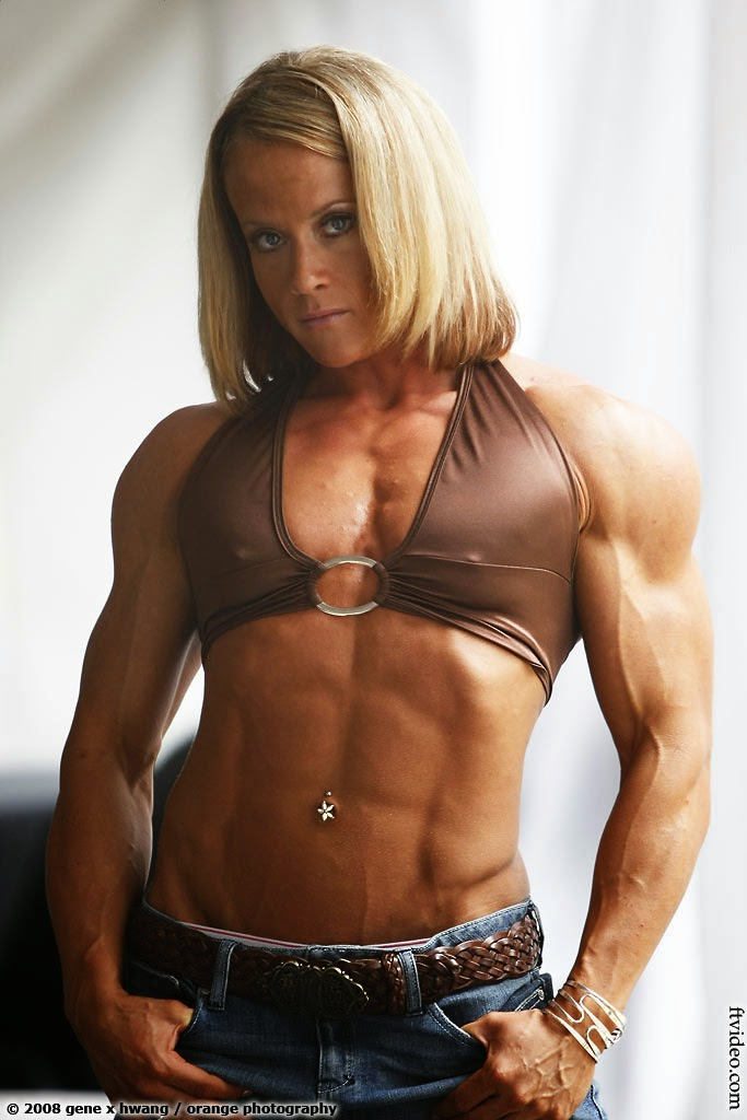 Female Bodybuilder Amanda Folstad-Ptak
