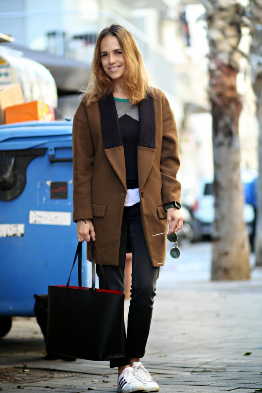 Mansur Gavriel Bag,Adidas sneakers, rag&bone Jeans,Kookai ,Zara people, style,fashion,look,fashionblog,streetstyle, parisianwoman,jewscommunity