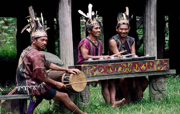 Asal Usul Suku Dayak