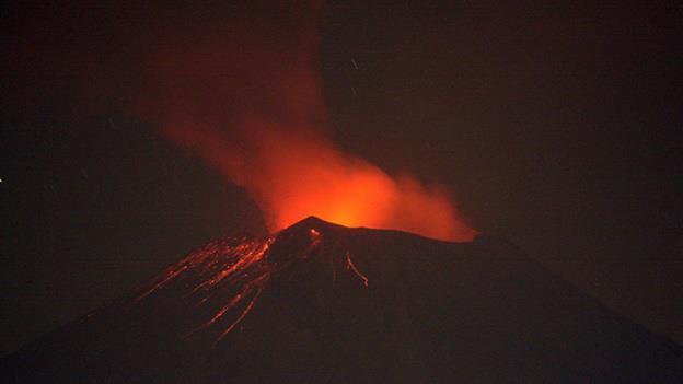 Sigue actividad del Popocatépetl