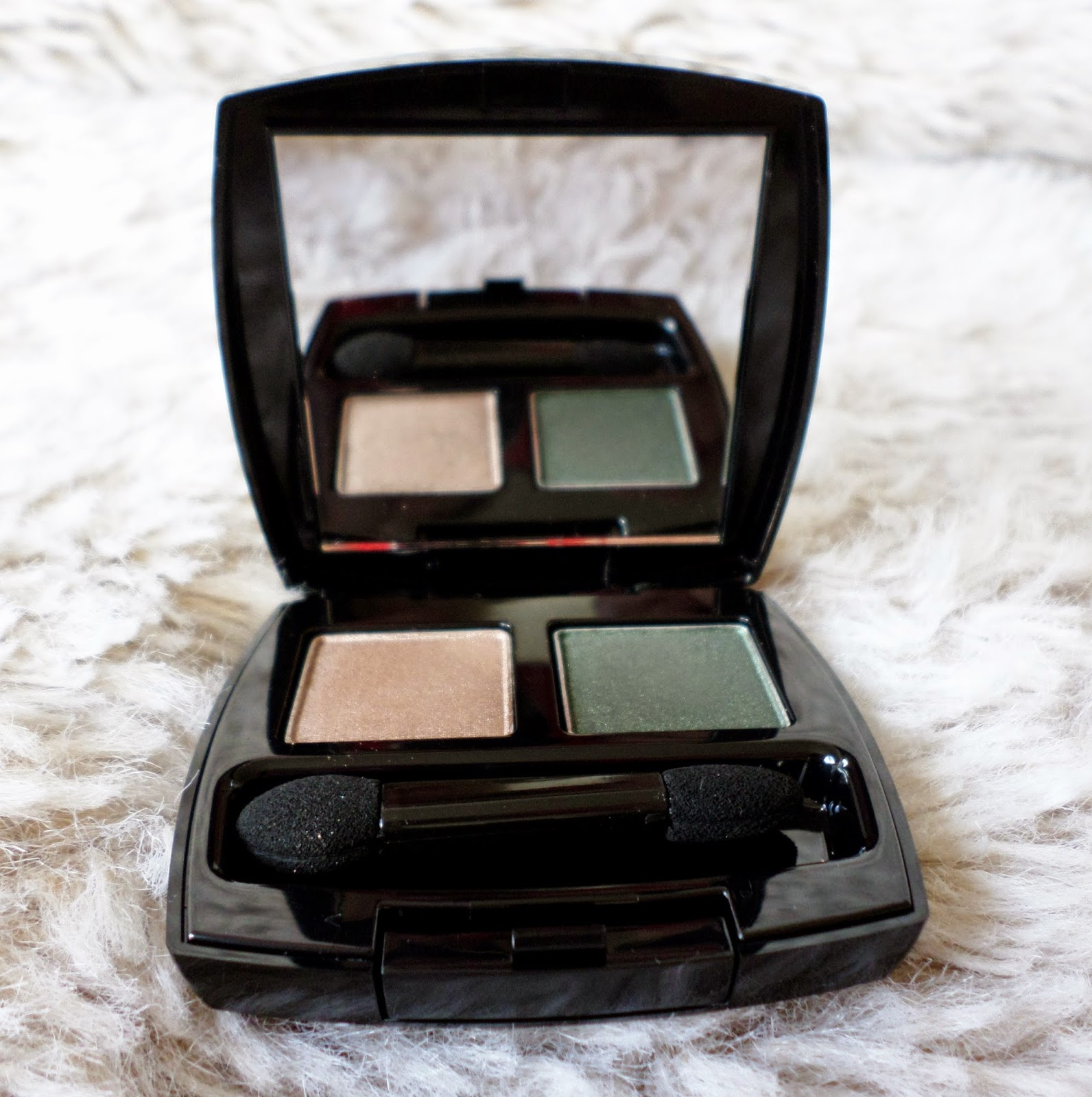 Avon True Colour Eyeshadow Duo in the shade Enchanted Forest