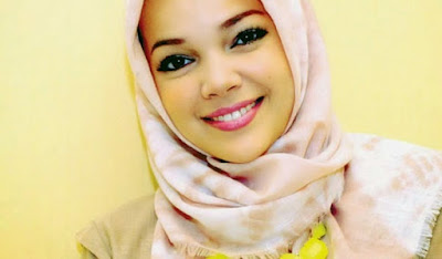 Dewi Sandra Ikon Busana Muslim Modern