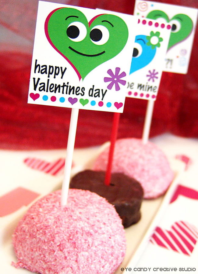 snoball cake, mini cakes, valentine classroom party, treats for valentines