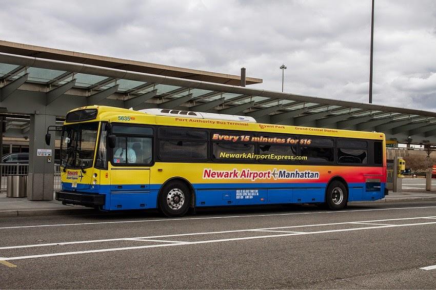 Ir de ônibus do Aeroporto Newark Liberty a Nova York
