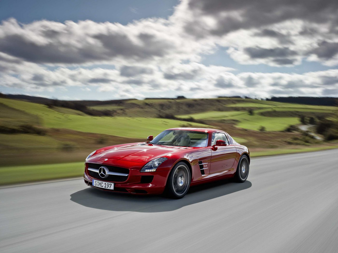 Cool cars 2011 mercedes benz sls amg for Mercedes benz 2011